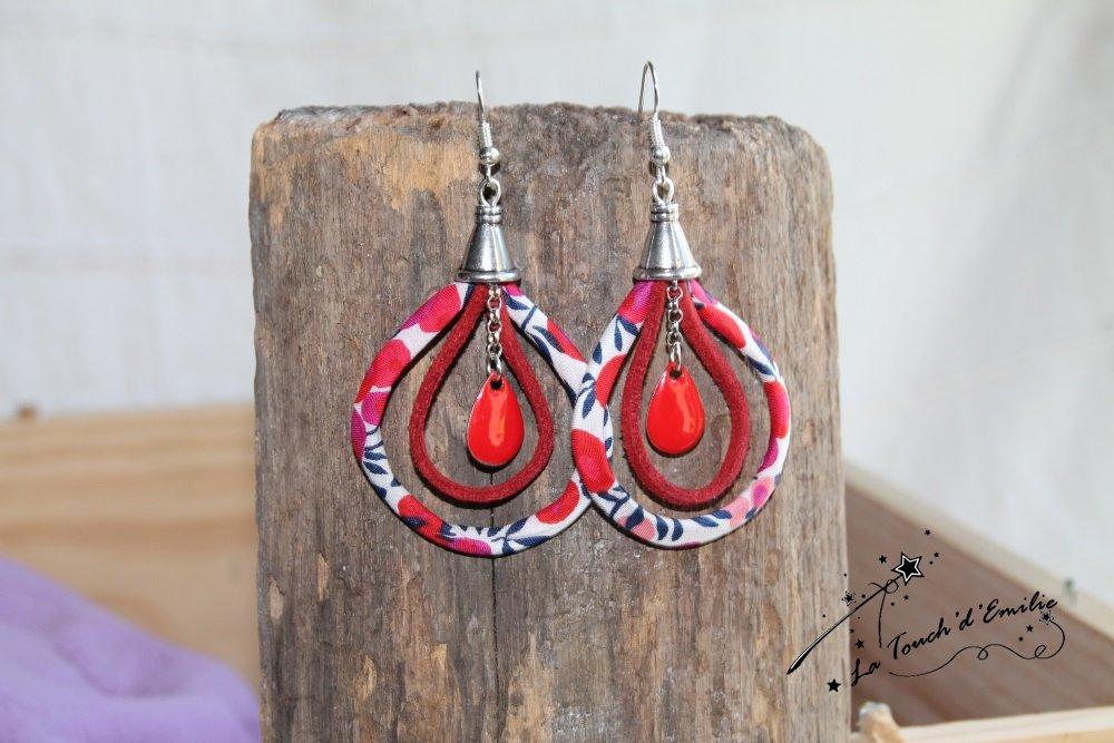 Boucles d'oreilles 'tissu' La touch' Wiltshire rouge, suédine et sequins rouges.--2224785805690