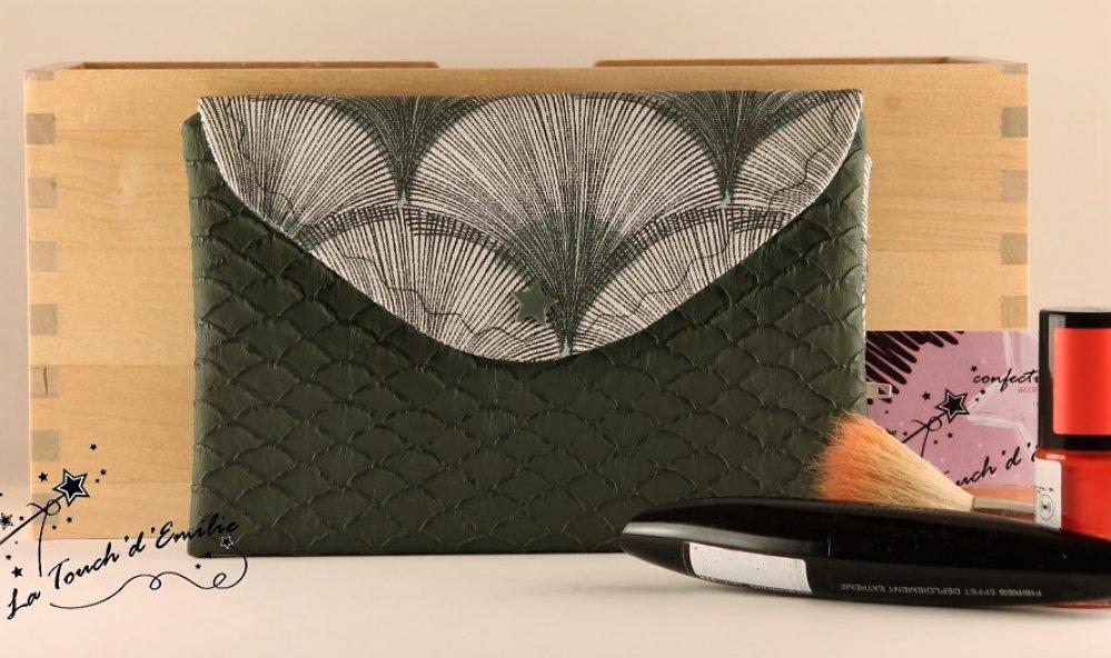 La Trousse à Manucure et Maquillage Eventail vert.--2225165570382