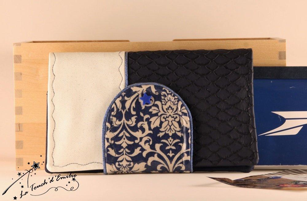 Le Porte-Chéquier Baroque Bleu.--2225174187441