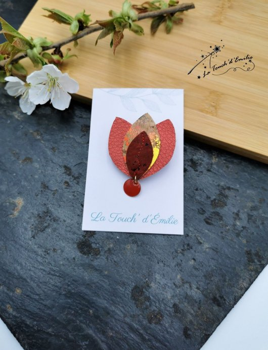 Broche Lotus Rouge Punchy