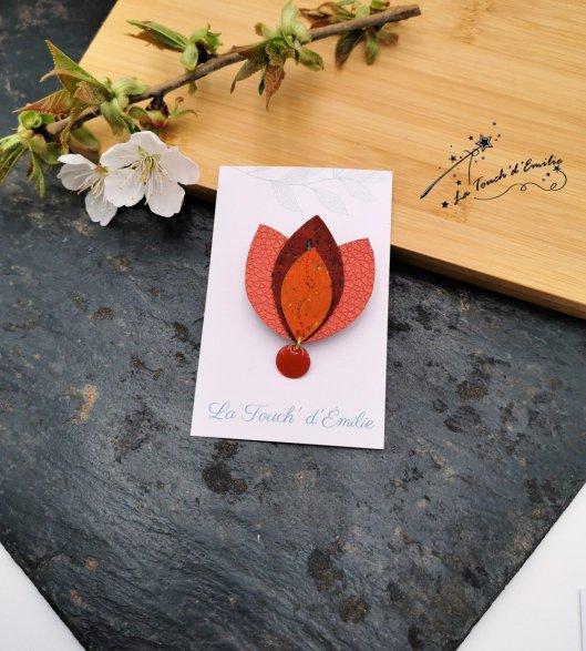 Broche Lotus Rouge orangé