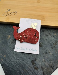 Broche Baleine Rouge Luxe